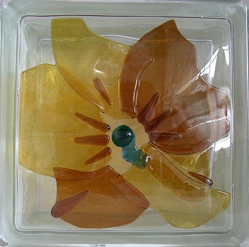vitrazhnie dekorativnie steklobloki cvetnie i s ukrasheniem vnutri 75