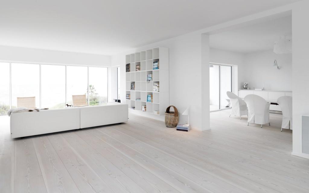 Белый ламинат в интерьере квартиры