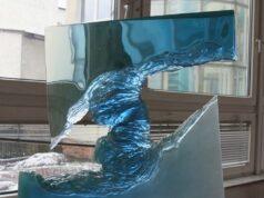 Стеклянные скульптуры в интерьере