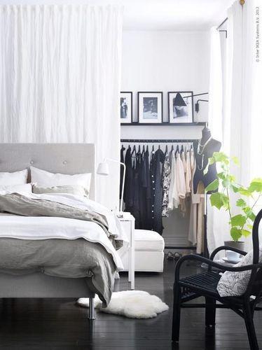 хранение одежды в спальне